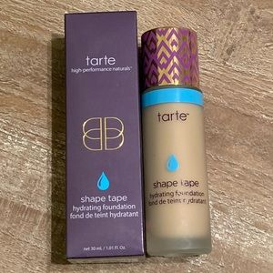 Tarte Shape Tape- light sand color😻